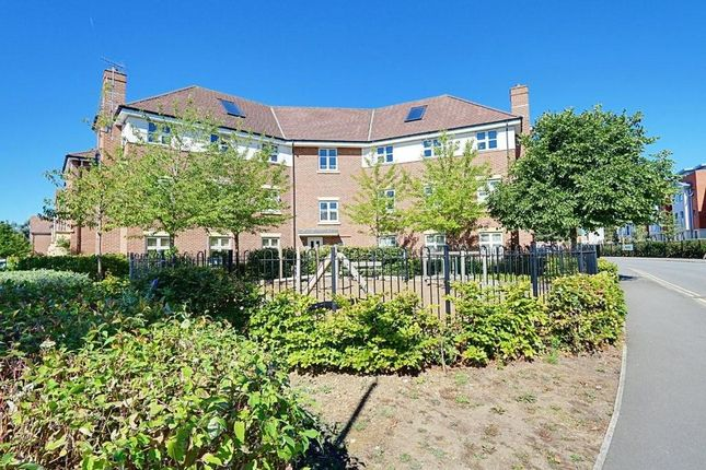 Thumbnail Flat to rent in Heacham Avenue, Ickenham