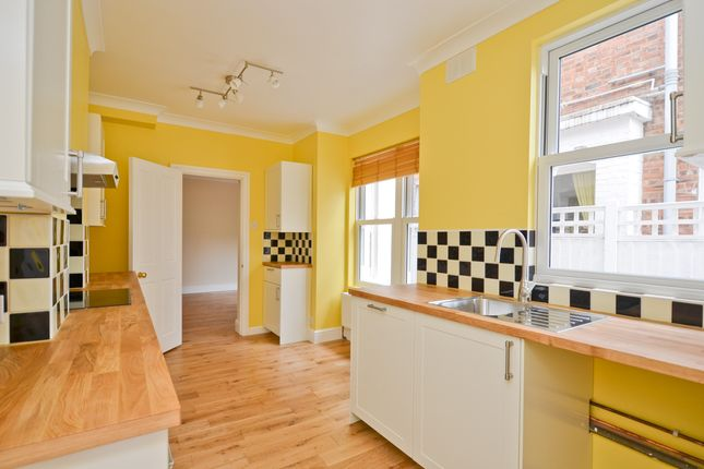 Thumbnail Terraced house to rent in Lymington Avenue, London