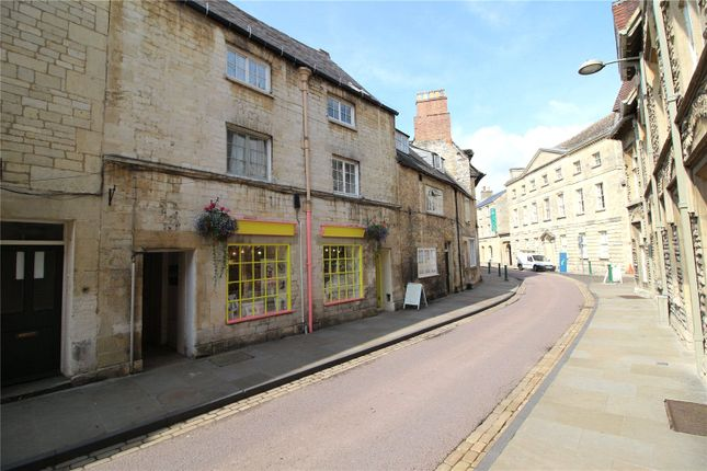 Flat to rent in Silver Street, Cirencester