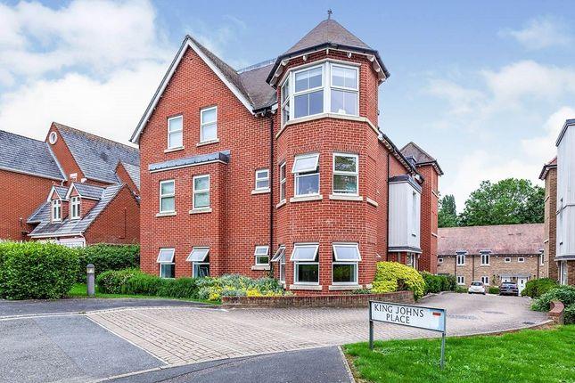 Thumbnail Flat to rent in Egham Hill, Egham