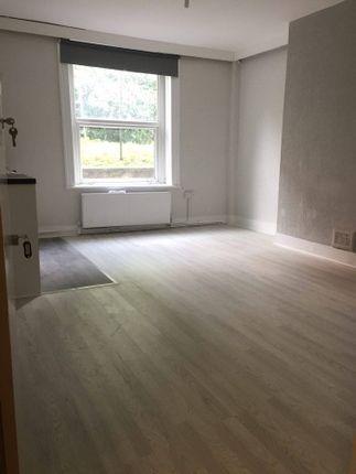 Thumbnail Flat to rent in Stuart Crescent, Wood Green