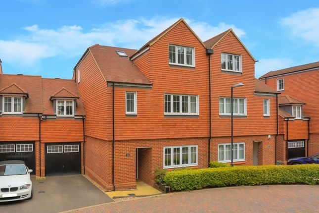 Thumbnail Semi-detached house for sale in Scott Close, Kings Park, St. Albans