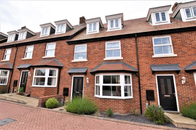 3 bed town house for sale in Sayer Crescent, Cromer NR27