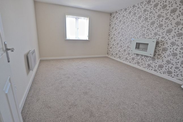 Thumbnail Flat for sale in Benbow House, 148 Marfleet Avenue, Hull, North Humberside