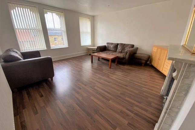 2 bed flat to rent in High Street, Loftus, Saltburn-By-The-Sea TS13