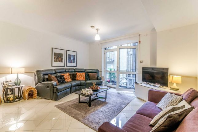 Thumbnail Flat for sale in High Timber Street, City, London