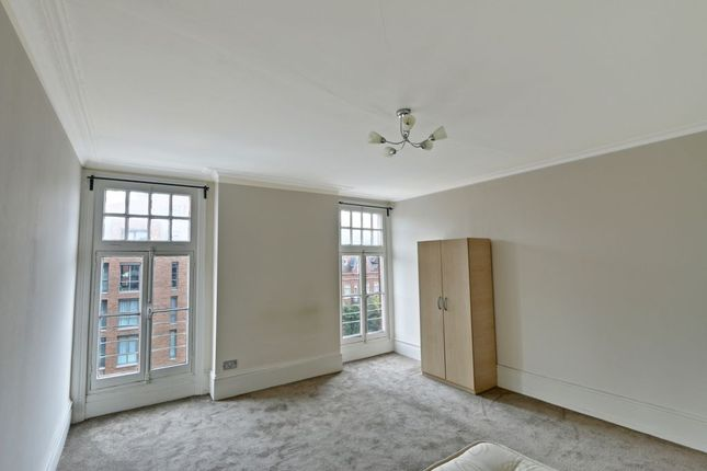Thumbnail Flat for sale in Finchley Road, London