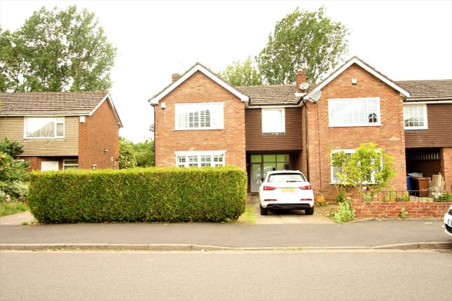 Thumbnail Link-detached house to rent in Lugano Road, Bramhall, Stockport