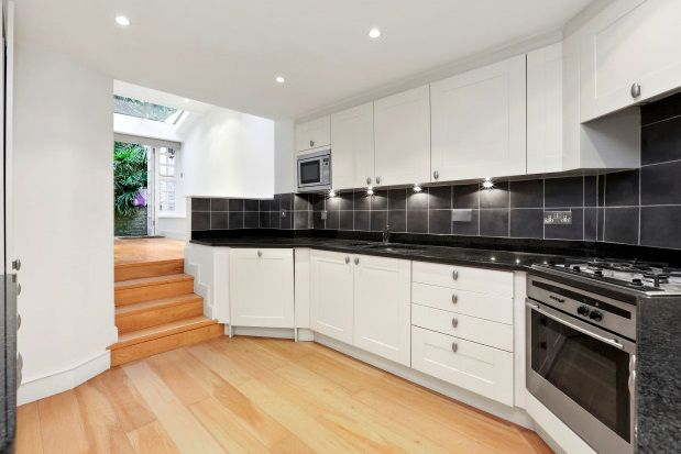Thumbnail Property to rent in Smith Terrace, Chelsea
