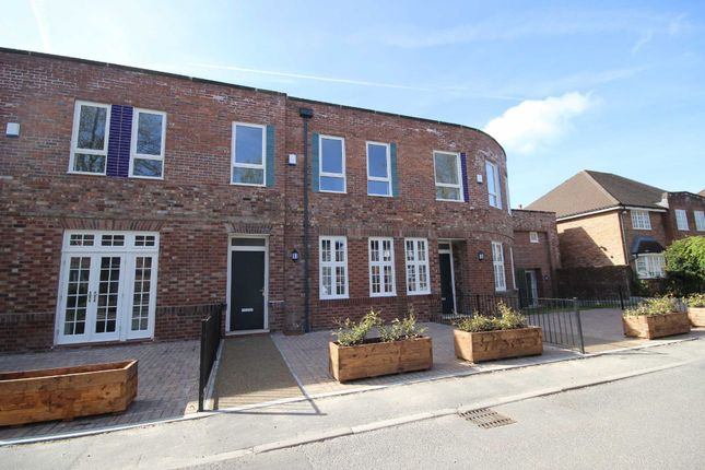 Thumbnail Property to rent in Ellenbrook Road, Worsley