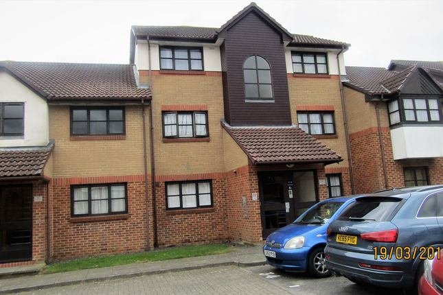 Thumbnail Flat to rent in Conifer Way, North Wembley