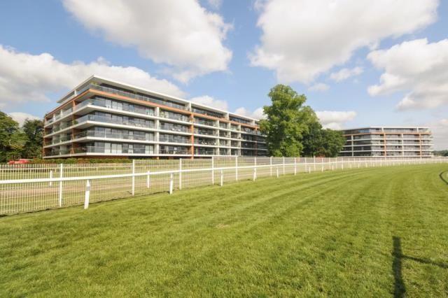 Thumbnail Flat for sale in Newbury, Berkshire