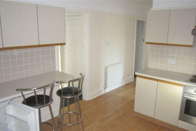 Thumbnail Flat to rent in Loddon Bridge Road, Woodley, Reading, Berkshire