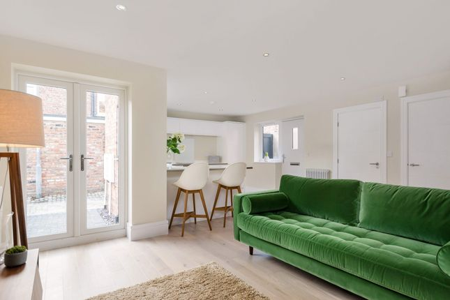 Thumbnail Property for sale in Compton Street, York