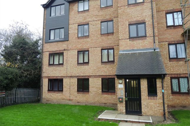 Thumbnail Flat for sale in Waterville Drive, Vange, Basildon