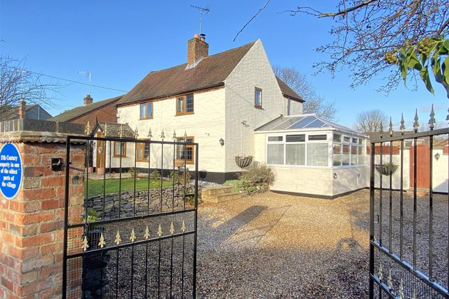 Thumbnail Detached house for sale in Brook Lane, Thringstone, Leicestershire