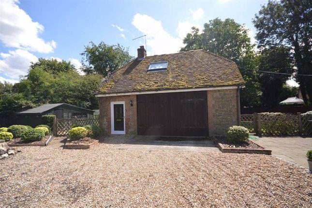 Thumbnail Flat to rent in The Street, Willesborough, Kent