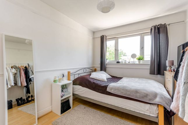 Thumbnail Terraced house to rent in Danebury Avenue, Roehampton