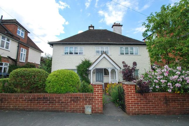Thumbnail Detached house to rent in Wodeland Avenue, Guildford