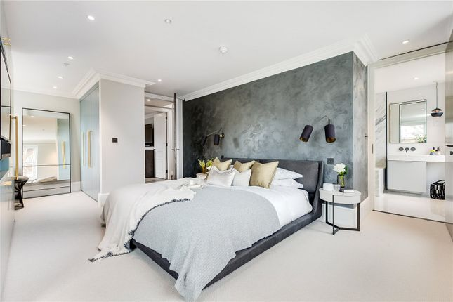Thumbnail Flat for sale in Southwell Gardens, South Kensington, London