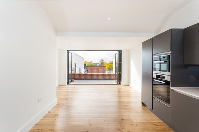 3 bed flat for sale in Johnston Road, Woodford Green