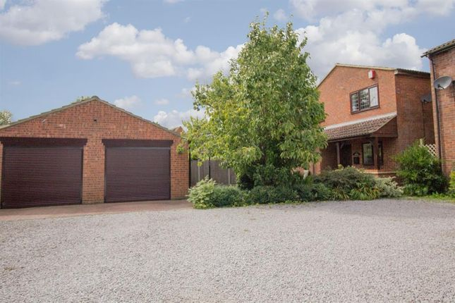 Thumbnail Detached house for sale in Newells Hedge, Pitstone, Leighton Buzzard