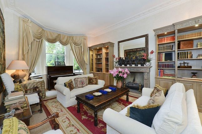 Thumbnail Flat to rent in Cadogan Square, Knightsbridge