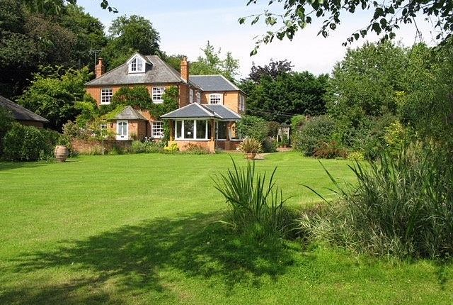 Thumbnail Detached house for sale in Wyfold Road, Gallowstree Common