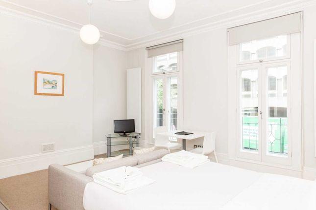 Thumbnail Studio to rent in Grays Inn Road, Bloomsbury