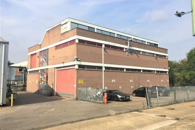 Thumbnail Industrial to let in Boston Business Park, Trumpers Way, London