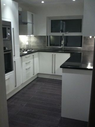 Thumbnail Flat to rent in 6B Rockleigh Court, Hutton Road, Shenfield, Brentwood