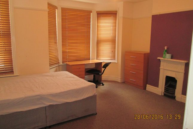Thumbnail Property to rent in Newcombe Road, Polygon, Southampton