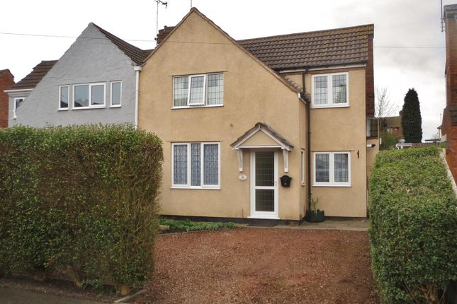 3 bed property to rent in Hallchurch Road, Dudley DY2