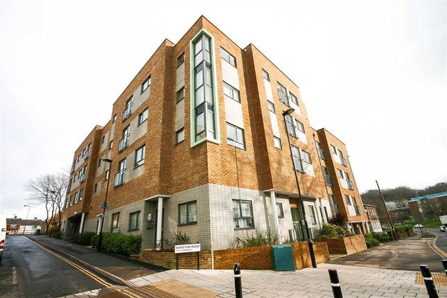 Main Picture of Hinkler Road, Southampton SO19