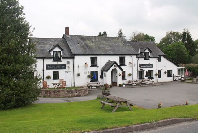 Thumbnail Pub/bar for sale in Hundred House, Llandrindod Wells