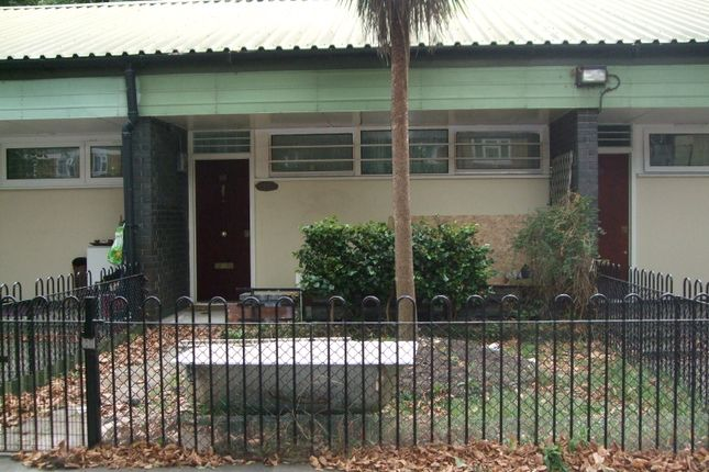 Thumbnail Bungalow to rent in Florian Gardens, London