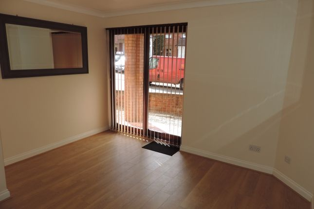 Thumbnail Flat to rent in Crouch Street, Banbury