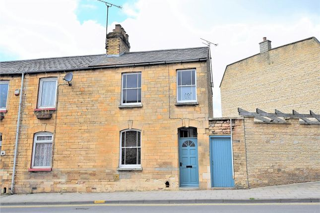 Thumbnail Terraced house for sale in Wharf Road, Stamford