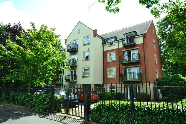 Thumbnail Flat for sale in Knighton Park Road, Stoneygate, Leicester