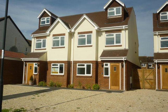 Thumbnail Town house to rent in Landmark Row, Sutton Lane, Slough