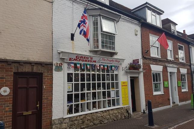 Retail premises to let in High Street, Hythe, Kent