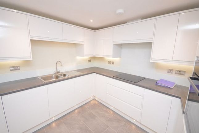 2 bed flat to rent in St. Georges Square, Mevagissey, St. Austell PL26