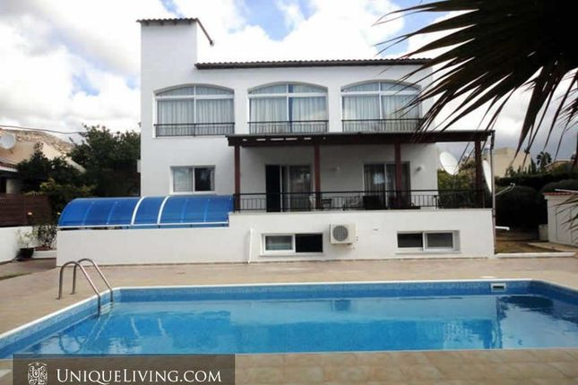 4 bed villa for sale in Peyia, Paphos, Cyprus