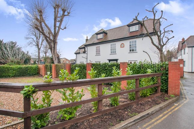 Thumbnail Flat for sale in Boulters Lock Island, Maidenhead