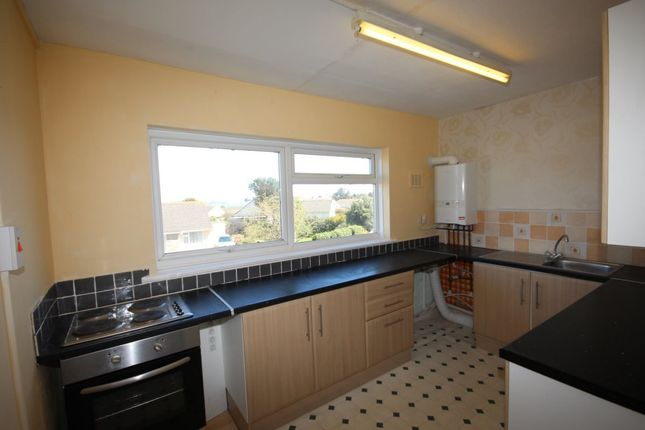 Thumbnail Flat to rent in Kingsway Avenue, Paignton