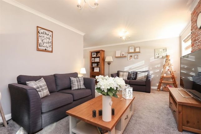 Living Room of Moorland View Road, Walton, Chesterfield S40