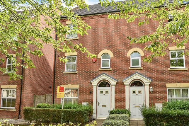 Thumbnail Town house to rent in Parsons Road, Langley