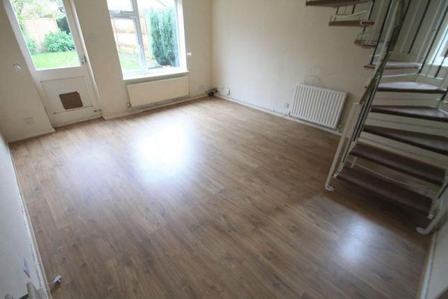 2 bed property to rent in Witley Green, Luton