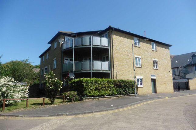 1 bed flat to rent in West Street, Grays RM17