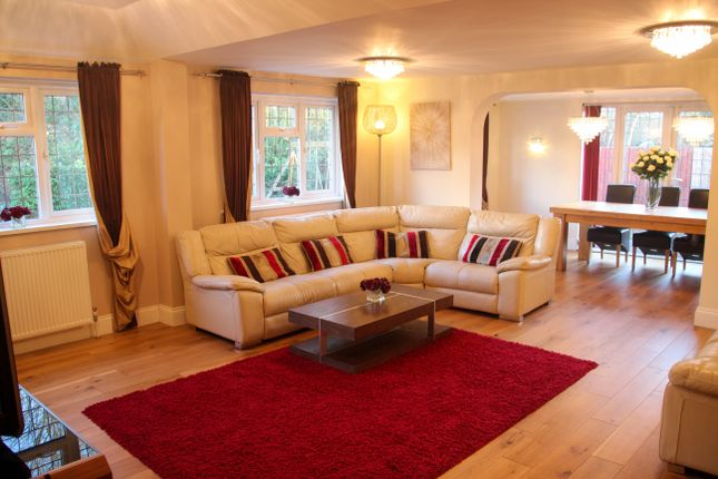 Thumbnail Detached house for sale in Frays Avenue, West Drayton